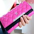 ví cầm tay CHANEL: ô caro xinh,có 2 ngăn riêng có khóa để tiền an toàn