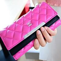 ví cầm tay CHANEL ô caro xinh,có 2 ngăn có khóa để tiền an toàn-502