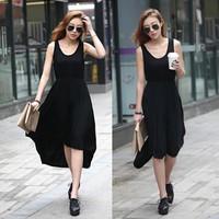 Đầm thun đen xẻ trước cách điệu siêu dễ thương