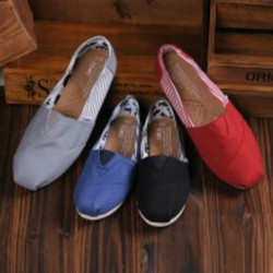 Giày Toms - Giày dành cho mọi lứa tuổi Nam và Nữ - T002