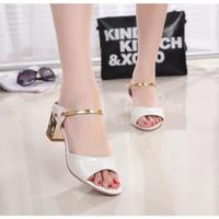 Sandal nữ gót vuông hiện đại