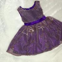 Đầm ren công chúa cho bé