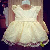 Đầm công chúa ren vàng trắng