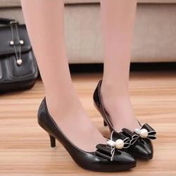 F3979.com- Giày cao gót công sở đính ngọc trai C029DEN