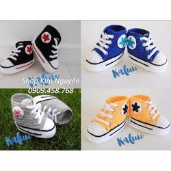 Giày thể thao cho bé tập đi
