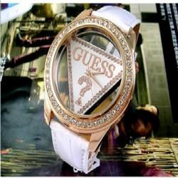 Đồng hồ đeo tay nữ dây da, viền nạm đá nổi bật, kiểu dáng độc đáo