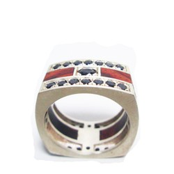 Nhẫn bạc vuông cẩn gỗ cẩm lai và đá topaz đen