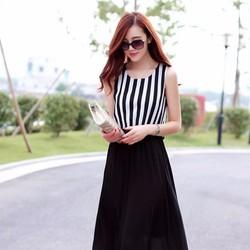 Đầm dún sọc trắng đen quyến rũ