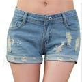 quần short jean ôm chân mang đến vẻ bề ngoài năng động