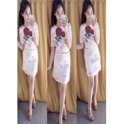 Set Áo Croptop Chân Váy Hoa Hồng và Môi