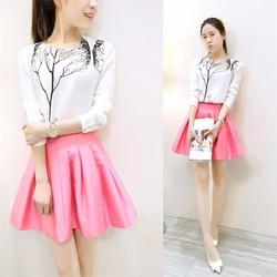 Set áo trắng và chân váy hồng xếp ly
