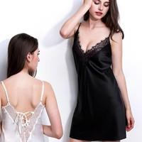 Đầm ngủ hai dây phi bóng mềm mại hở lưng sexy-112