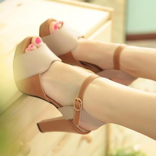 Giày sandal cao gót H.Q phối màu