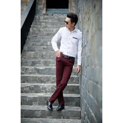 Quần kaki nam màu đỏ thích hợp cho các chàng trai dạo phố