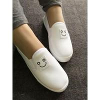 Giày slip on mặt cười màu trắng VV14946100