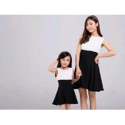 Combo 2 đầm sọc phối đen cao cấp cho mẹ và bé