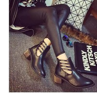 Giày boot nữ cổ ngắn dây chéo sang trọng -  BT201D - Doni86