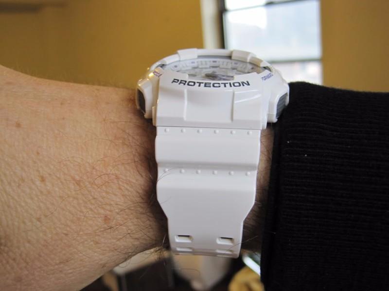 dong ho g shock day trang the thao ga 110a 7adr 007 1m4G3 14aecb simg d0daf0 800x1200 max Một số điều sẽ khiến chúng ta thích mê đồng hồ G Shock