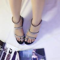 Giày sandal xỏ ngón đính hạt