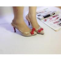 Giày cao gót phối nơ đỏ