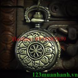 Mặt dây chuyền đồng hồ khắc Om Mani Padme Hum