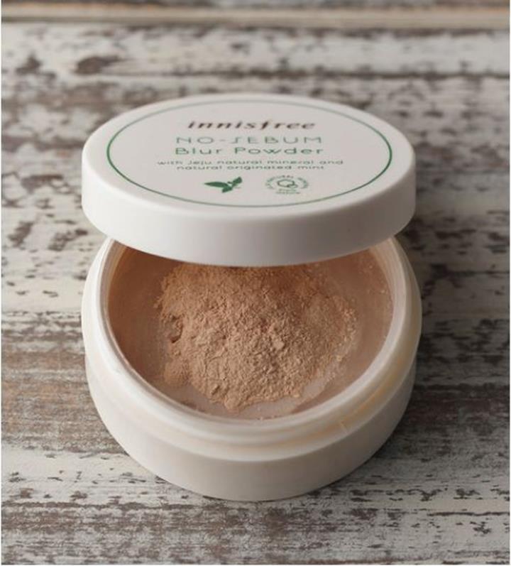 Kết quả hình ảnh cho Phấn phủ dạng bột kiềm dầu Innisfree No - Sebum Blur Powder 5g