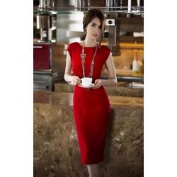 Đầm ôm body đỏ phối ren sau lưng Ngọc Trinh D411