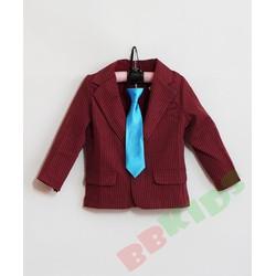Áo khoác vest sọc cho bé trai diện Tết
