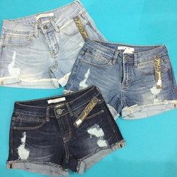 Quần Short jeans sắn lai Sneak Peek.