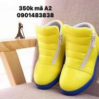 Giày thời trang phù hợp cả bé trai và gái
