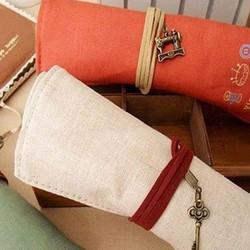 Hộp bút vải cuộn