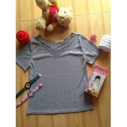áo thun cổ tim đơn giản nhưng rất dễ thương, giá rẽ