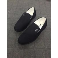 Giày slip on nam màu đen MN19