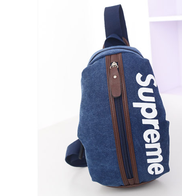 Túi đeo chéo Supreme 1