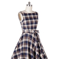 Đầm carô phong cách Vintage