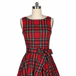 Đầm đỏ carô phong cách Vintage