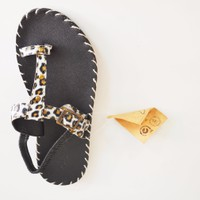 Giày sandals xỏ ngón đen