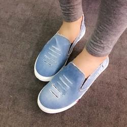 Giày slip on Jean rách màu nhạt VV10