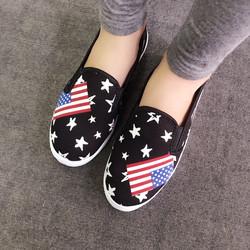 Giày slip on họa tiết cờ ngôi sao VV18