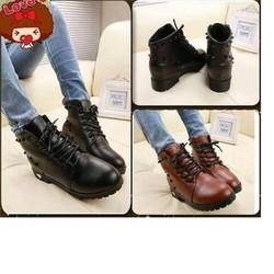 Giày Boot Nạm Đinh