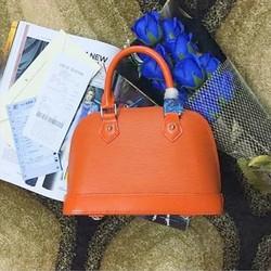 Túi xách Epi Alma Louis Vuitton