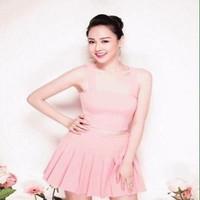 Sét áo croptop cúp ngang và chân váy xòe xếp ly hồng dễ thương SEV324