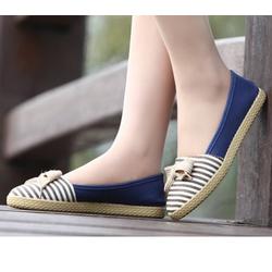Giày nữ gắn nơ cột dây cực xinh