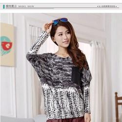 Áo thun nữ thời trang, kiểu dáng quyến rũ, phong cách Hàn Quốc.