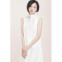 Đầm Suông Chữ A Cài Trâm Đẹp Như Tâm Tít