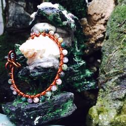 Vòng tay dây đồng handmade đính đá