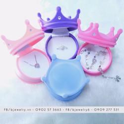 Hộp trang sức vương miện 4 màu: hồng nhạt, hồng đậm, xanh dương, tím