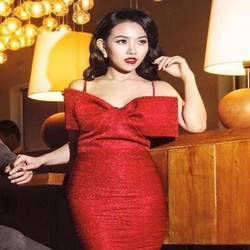 Đầm body cúp ngực 2 dây vải kim sa đính nơ xinh đẹp DOV526
