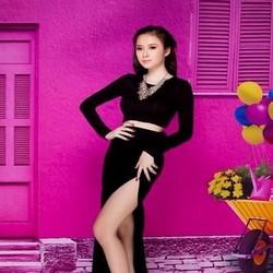 Sét áo kiểu dài tay đen cá tính và chân váy xẻ dài sang trọng SEV349