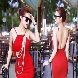 Đầm body đỏ nổi bật thiết kế 2 dây cổ yếm sexy phối ngọc trai DOV511